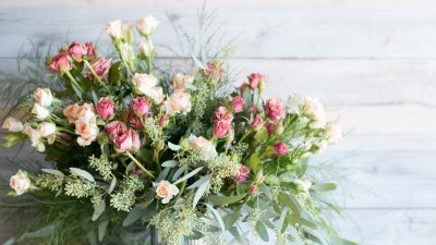 Flowers are the perfect way to give your home the right look for an event
